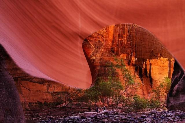 red-rocks-2315718_640